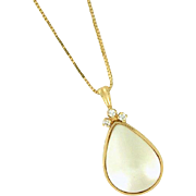 Bezel Mabé Pearl Necklace with Diamond and a 17in box chain in 14k gold