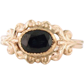 Darling Natural Sapphire Rose Gold Ring circa 1930s 14k gold