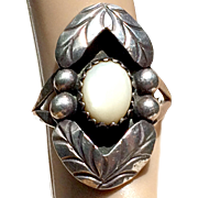 Vintage Large Silver Mother of Pearl Ring
