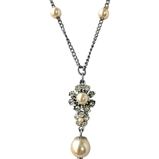 Delicate Vintage 1950s Faux Pearl Rhinestone Necklace