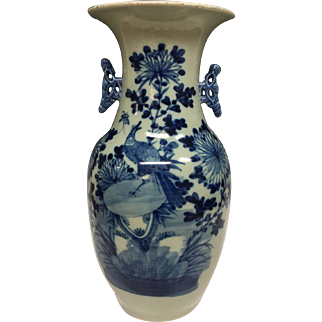 Stunning Large Handmade Asian Chinese Imari Export Porcelain  Blue and White Porcelain Vase, 1900s