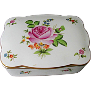 Pretty Herend Hungary Porcelain Hand Painted Box with Gilding