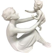 Beautiful KAISER Mid Century 1950s Bisque Porcelain Figurine Mother Woman & Child Baby Sculpture