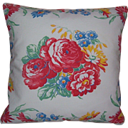 "Beautiful Pair of Vintage Pillow Shams in a Lovely Red Daisy Floral Pattern 14"" Square"