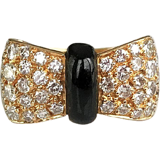 Van Cleef and Arpels Diamond Onyx Bow Ring US 5.25