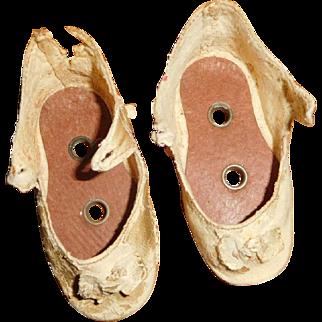 """2  1/2"""" Long Antique Shoenhut White Shoes"""