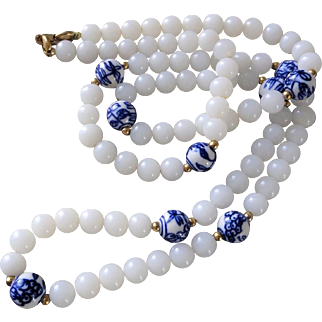 Crown Trifari Copyright 1955-1969 White Milk Glass Blue White Painted Porcelain Necklace 30""