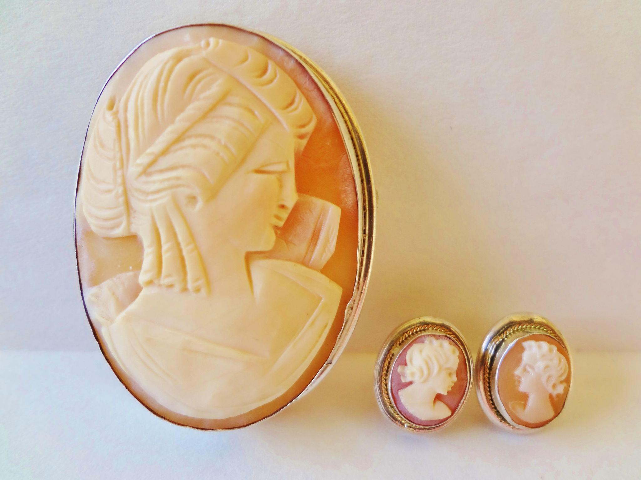 19th C Large Shell Cameo Brooch Pendant And Matching