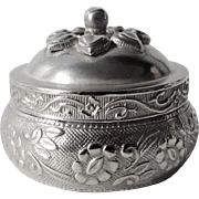 Antique Chinese Export Sterling Silver Repousse Round Snuff Box