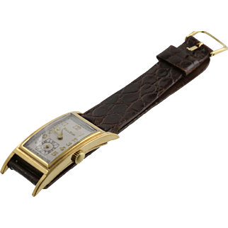 Bulova Long Curvex 17 Jewel Watch