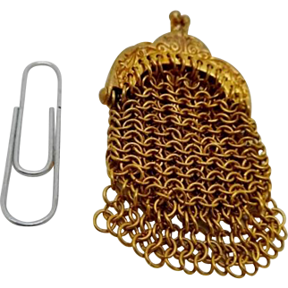 A miniature chain link purse. Late 19th century.