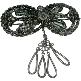 A Silesian steel bow brooch. Late 18th century