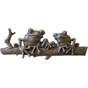 J.J. Jonette pewter Frogs on tree trunk brooch