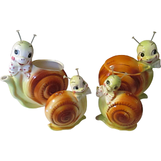 Meet the vintage retro Snail Family of Condiments by Enesco