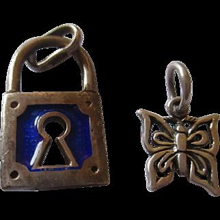 Two sterling charms Pad lock blue enamel / butterfly