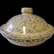 Robinson Ransbottom Roseville Ohio Stoneware Casserole dish blue white spongeware