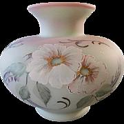 """Fenton 2006 Connoissuer Collection Lotus Mist Burmese """"Hibiscus Garden"""" Ltd Ed Vase"""