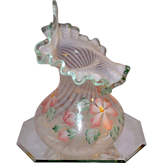 Fenton Vintage 8 inch Meadow Beauty Jack in the Pulpit Vase Willow Green Crest