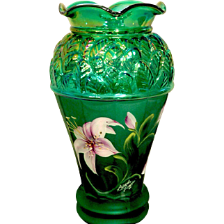 Fenton QVC 2001 Iridized Emerald Green Vase - Designer Showcase Series