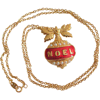 Noel Necklace NOS in Box Signed