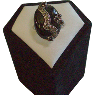 Black Onyx, Marcasite & Sterling Silver Ring Size 8 1/2