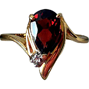 Vintage 14K Yellow Gold, Garnet, & Diamond Cocktail Ring