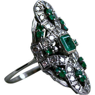 Gorgeous Retro Vintage Emerald and Diamond Long Ring in 18K White Gold.