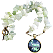 A Chunky Sea Green Quartz Chip and Yin-Yang Pendant Necklace