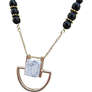 Howlite Gemstones and Metal Pendant with Black Agate Necklace and Earrings