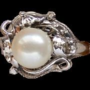 Fantastic Large Pearl 10 Karat White Gold Ladies June Birthstone Right Hand Ring