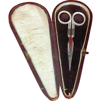 French c1890 Mother of Pearl Handled Sewing Scissors (maybe for a young lady)