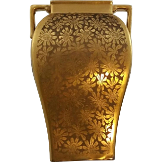 "Pickard China Etched 5.75"" Cornered Vase in Arnica Daisy Pattern All Over Gold (AOG) c1919-1922 Mint"