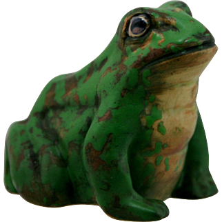 """Weller Coppertone 4"""" x 4.5"""" Ornamental Pond Frog in Green and Copper Glazes"""