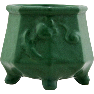"""Weller Matte Green 4"""" x 4"""" 8-Sided & Footed Vessel With Poppies in Lush Glaze Mint"""
