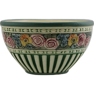 """Weller Eldora-Chelsea 4.75"""" x 8.5""""High-Sided Bowl With Blossoms & Fluted Design c1920"""