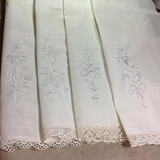 4 Linen Fingertip Towels