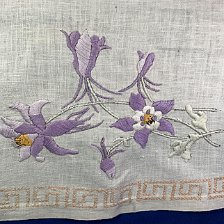 Arts & Crafts Table Runner