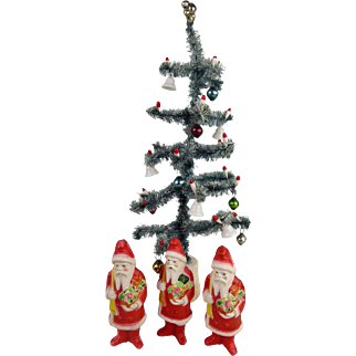 A Set of 4 original pieces of Christmas Decorations, 3x Santa Claus of Irwin and 1x Christmas Tree , from 1930.