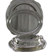 Platters Suite of Oval & Round Platter with Entree Dish & Cover