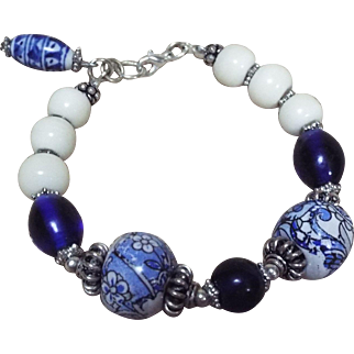Old Chinese Handpainted beads, With Peking Glass Bracelet