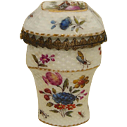 Beautiful Quality Porcelain Etui Case c. 1750 - 1780