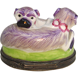 Mid-Late 18th c. English Porcelain Double Pug Snuff Box