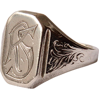 """19th Century decorative Victorian Signet Ring """"RS"""""""