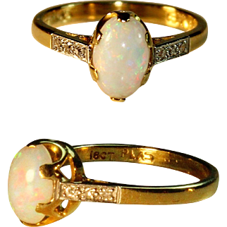 Fine Opal Ring with Diamonds in 18k Gold - Vintage 1 Carat Opal Cocktail Ring