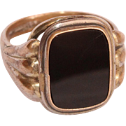 Victorian Signet Ring with Onyx and Gold Double - late 19th Century