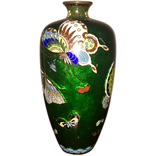 Ginbari Japanese Enamel Cloisonne Vase with Beautiful Butterflies , Ando Jubei Company, Early 20th century