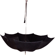 Antique Presentation Hull Umbrella with a Round Sterling Silver Repousse End and Ebony Tapered Shaft, c. 1914
