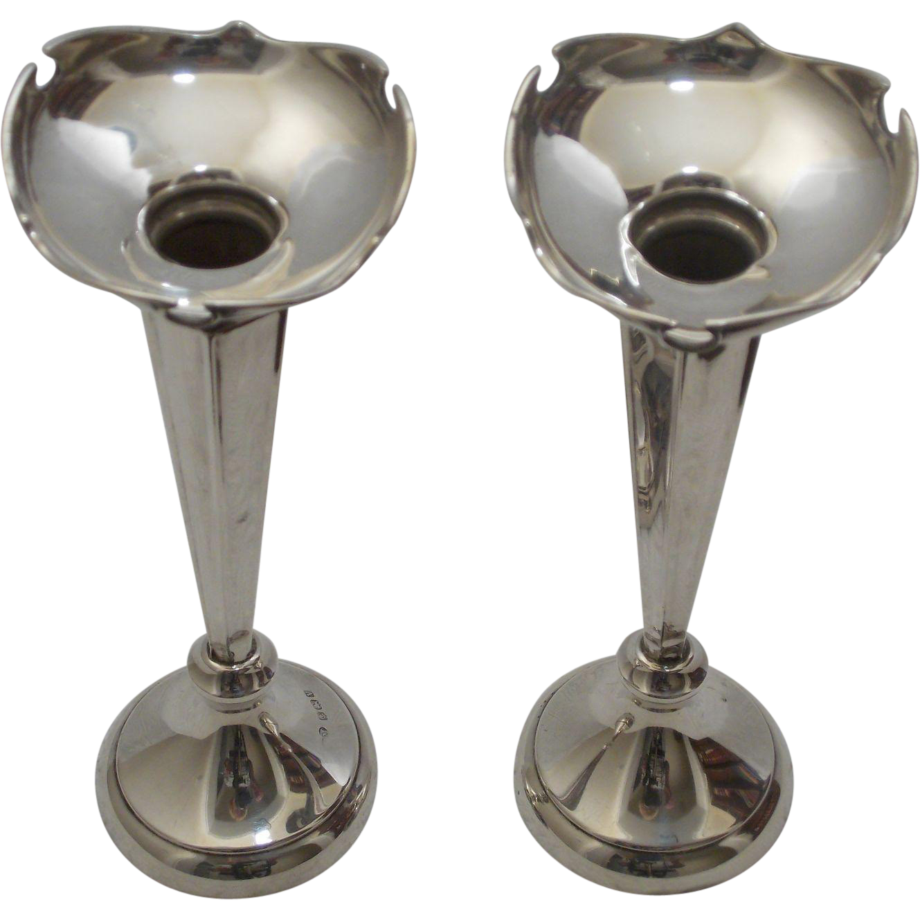 pair sterling silver bud vases 1920 from myfrenchattic on. Black Bedroom Furniture Sets. Home Design Ideas