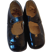 Small Girls /Toddler Mary-Jane Style, Patent Leather Shoes C.1910