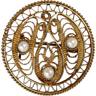 Vintage Filigree Brooch sterling silver gilded Pin with 3 Tahitian pearls.